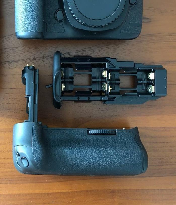 Digital Camera Battery Grips