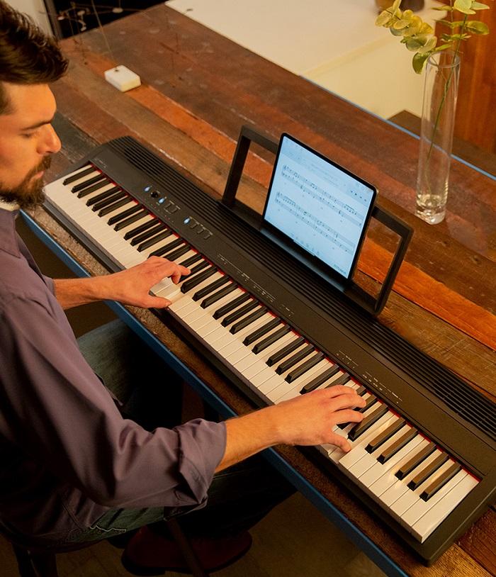 Portable & Arranger Keyboards